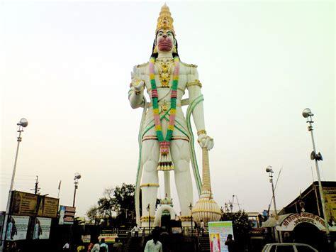 Recopilación de grandes estatuas y monumentos poco ...