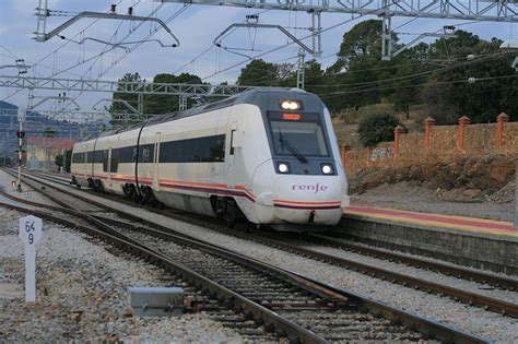 Reducción de tiempos de viaje en los trenes de Media ...