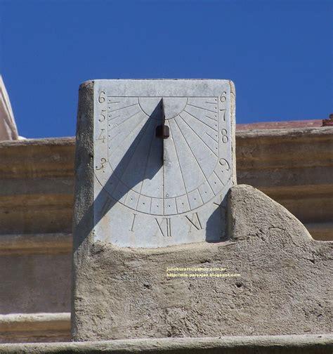 Reloj de Sol en la Torre de Tajamar Jesuita. Alta Gracia ...
