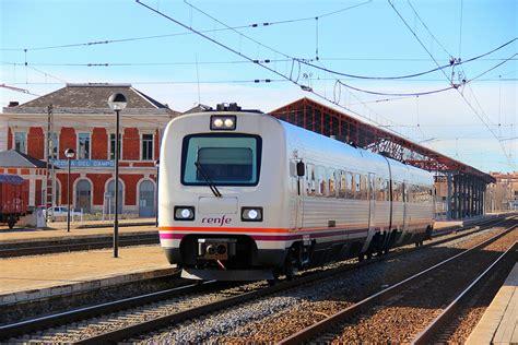 RENFE mantiene, de momento, los trenes de Media Distancia ...