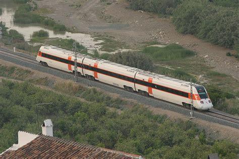 RENFE mejora los tiempos de viaje en el trayecto entre ...