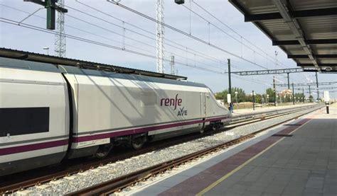 Renfe: Renfe vende 32.000 billetes de AVE a 25 euros en ...