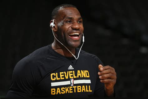 Report: LeBron James to Star in  Space Jam  Sequel ...