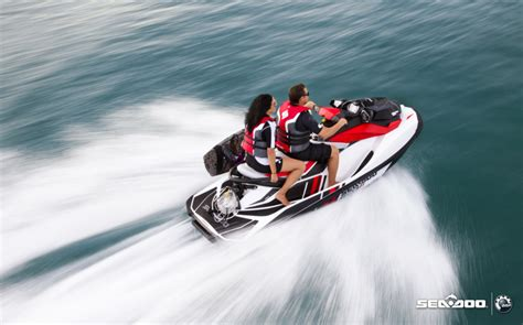Research 2012   SeaDoo Boats   Wake 155 on iboats.com