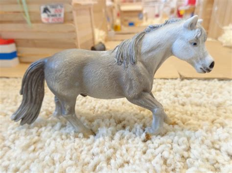 Retired Schleich Horses images