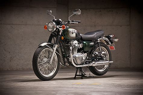 Review: 2011 Kawasaki W800 - Pipeburn.com