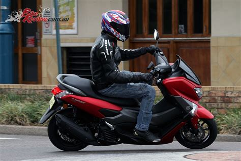 Review: 2018 Yamaha NMAX 155 Scooter   Bike Review