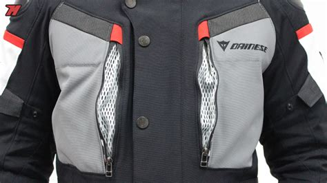 Review: Dainese Carve Master Gore Tex · Motocard