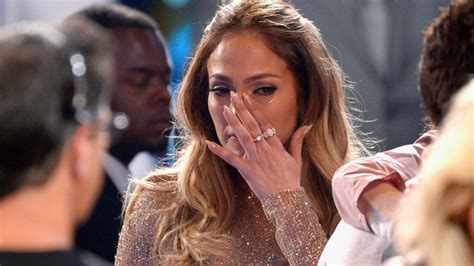 Rihanna regala unas incómodas botas a Jennifer Lopez | Tele 13