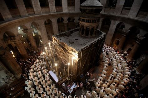 Risk of Collapse at Jesus' Tomb Unites Rival Christians ...