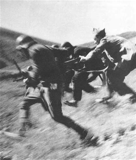 Robert Capa   Fotografías Guerra Civil Española | Colegio ...