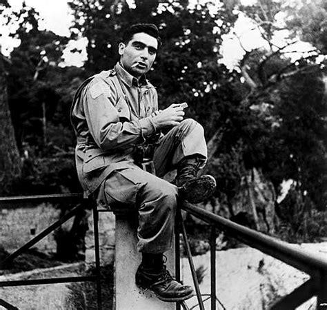 Robert Capa, War Photographer – Forward Boldly