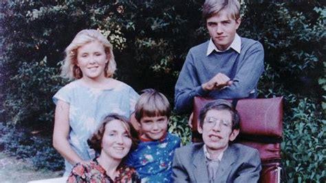 Robert, Lucy y Tim: Así son los herederos de Stephen Hawking