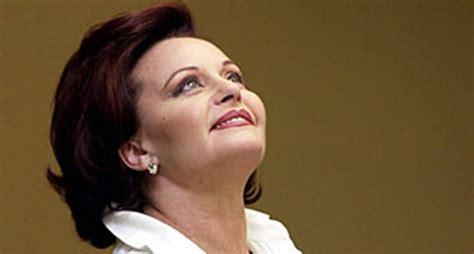 """Rocío Dúrcal, la """"Señora"""", sigue enamorando a los diez ..."""
