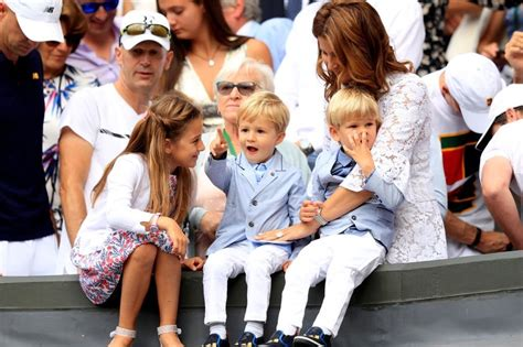 Roger Federer's kids steal the show at historic Wimbledon ...