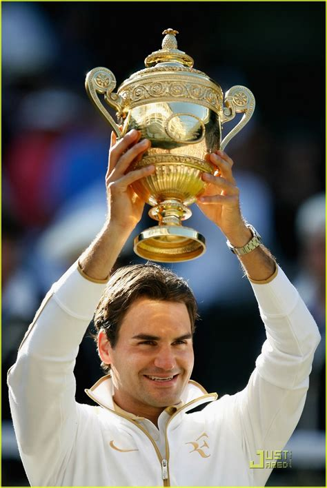 Roger Federer Wins Wimbledon, 15th Major: Photo 2031991 ...
