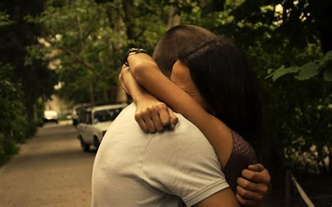 Romantic Cute Sad Alone Couple Love kiss Hugging ...