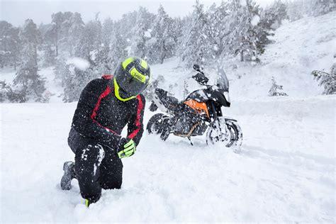ropa moto para invierno