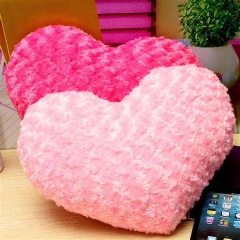 Rosa rosa roja corazón forma tiro cama almohada cojín de ...