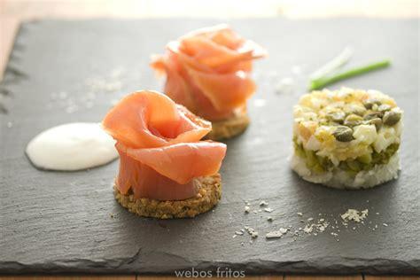 Rosas de salmón ahumado | webos fritos