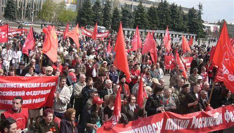 RUSIA. Los comunistas no aceptan el maquillaje de Putin a ...