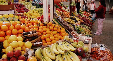 Rusia refuta la información sobre las frutas infectadas ...