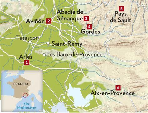 Ruta por la Provenza, Francia, entre campos de lavanda