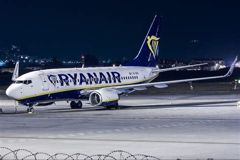 Ryanair, emergenza sul Milano Palermo e senza albergo si ...