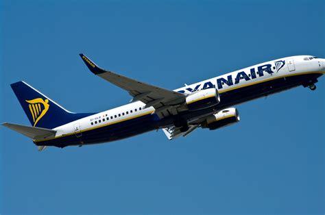 Ryanair Taking off   Pentax User Photo Gallery