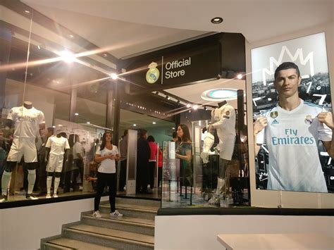ᐅ Teléfono Gratuito Tienda Oficial Real Madrid » Teléfono ...