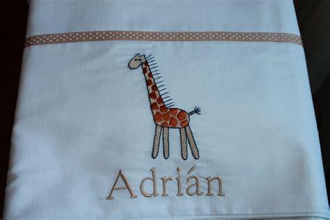 Sabana blanca con bordado de jirafa y nombre | dormir ...