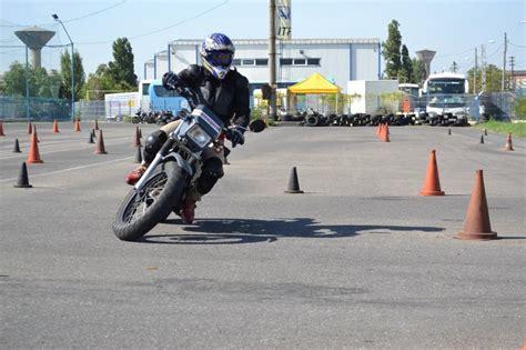 Sacar el carnet de moto por libre