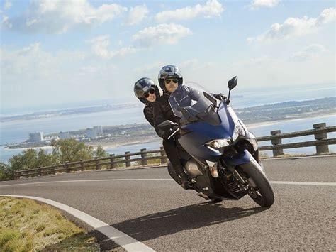 Sácate el carnet de moto A2 automático por libre