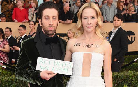 SAG Awards: Big Bang Theory actor Simon Helberg makes red ...