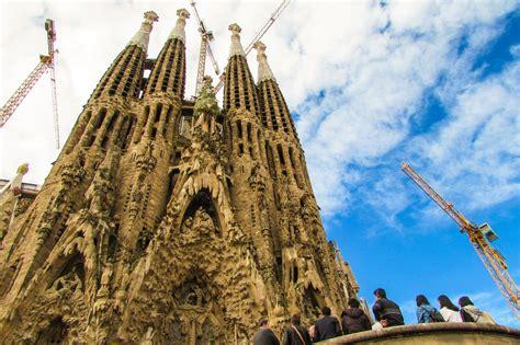 Sagrada Familia, Barcelona: Skip the Line. Do it Right ...