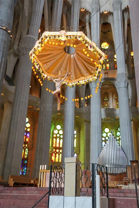 Sagrada Familia Interior, By Antoni Gaudi, Barcelona ...