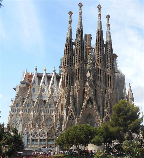 Sagrada Família — Wikipédia