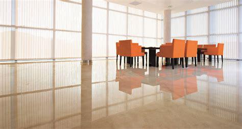 Salón con suelo de mármol Crema Marfil   Suelo   Pinterest ...