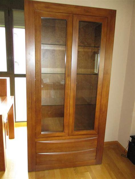 Salones bp/a: Vitrina madera maciza para el salon comedor ...
