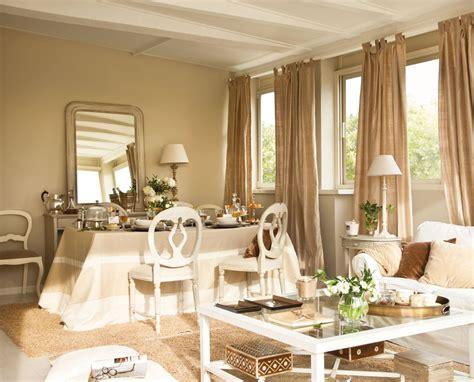 Salones con comedor renovados por El Mueble