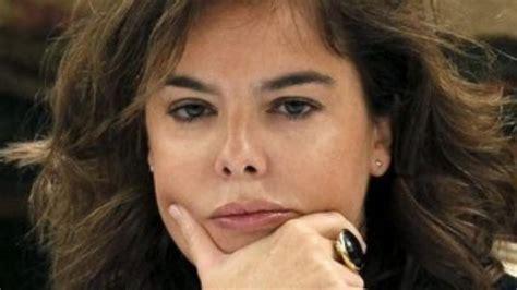 Santamaría, tras la encuesta del CIS:  Los políticos deben ...
