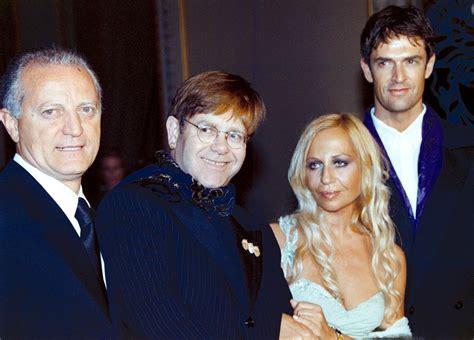 Santo Versace:  Sedici anni senza Gianni Versace. Le ...