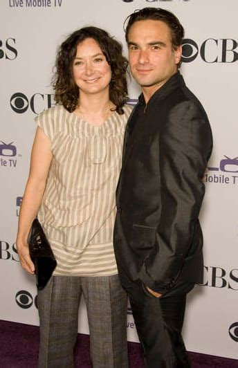 Sara Gilbert: I Knew I Was Gay When Dating Johnny Galecki ...