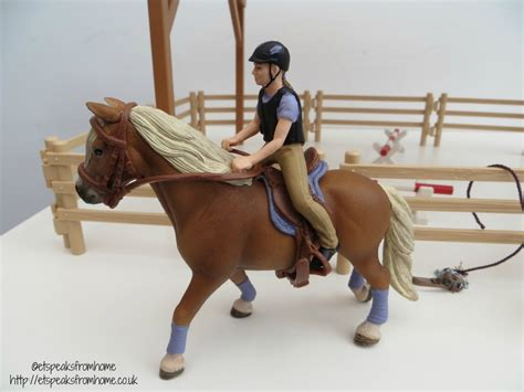 Schleich Horse Riding Arena Review   ET Speaks From Home