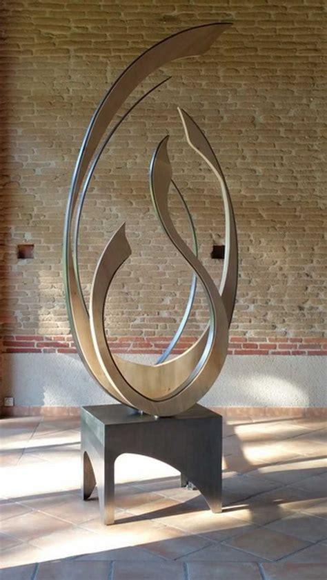 Sculpture moderne en bois et fer par Fabienne Hôt