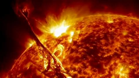 SDO: Año 3   Espectaculares imagenes del Sol   YouTube