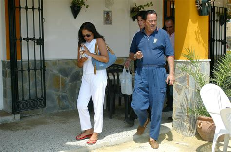 ¡Se vende Cantora! ¡Isabel Pantoja pide 7 millones de ...