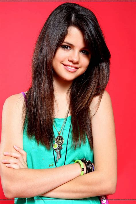 Selena Gomez Biography - Pictures And Biography