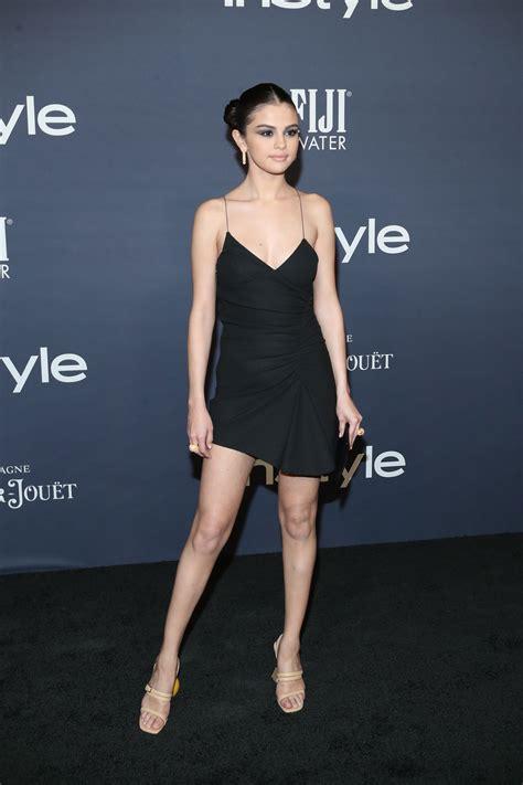 Selena Gomez en los premios InStyle   Pies de Famosas