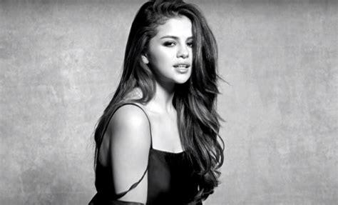 Selena Gomez lança o clipe de